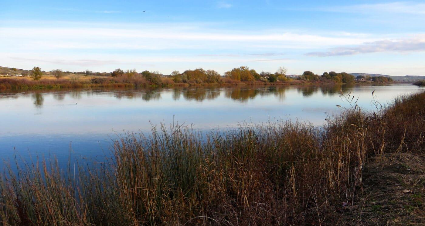 Ice Age Floods National Geologic Trail - photo of lake