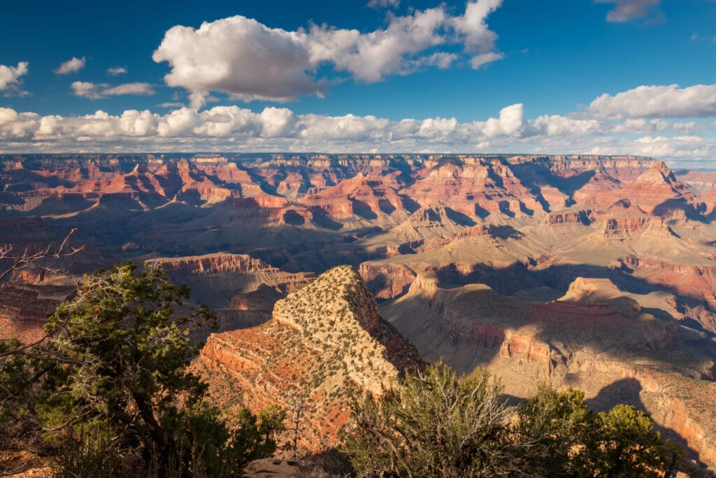 Grand Viewpoint at Grand Canyon National Park on a sunny afternoon in autumn