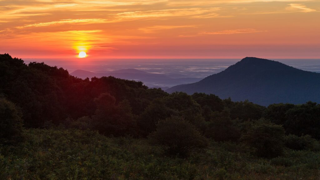 Looking to spend two days in Shenandoah National Park? Here is everything you need to know to make the most of your weekend in Shenandoah National Park.