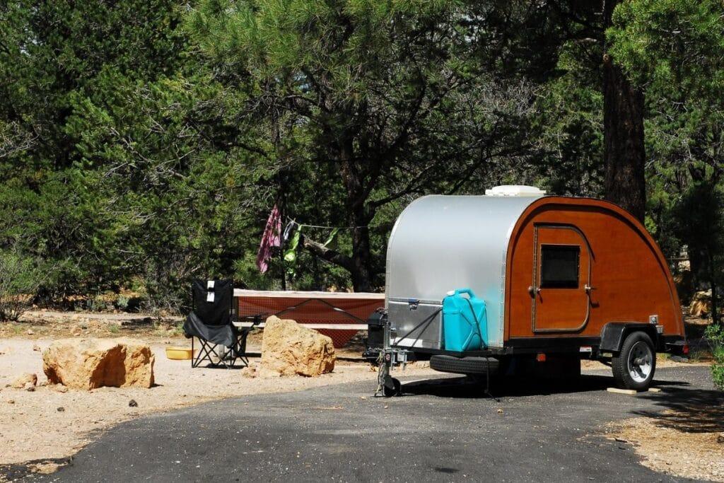 A small RV trailer in camping in Grand Canyon National Park